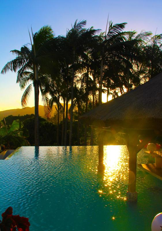 The pool at Sunset overlooking the mountains. - 4 Bedroom Mountain Estate - Chamarel, Mauritius - Chamarel - rentals