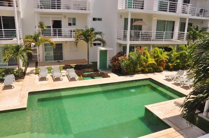 Perfect Condo in tranquil complex - Image 1 - Playa del Carmen - rentals
