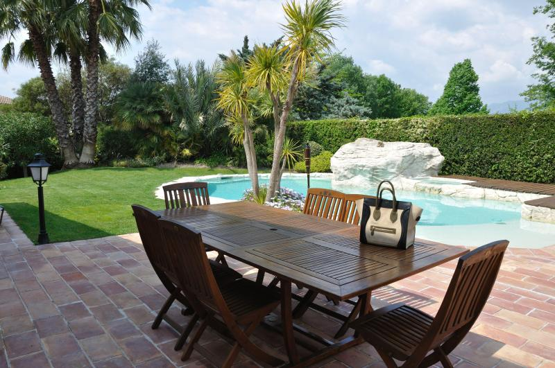 POOL & GARDEN - Lovely Villa- Heated Pool Close To Nice -For 9 - Cagnes-sur-Mer - rentals
