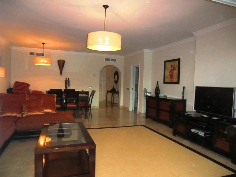 Hi spec 2 bedroom apartment in Luxury Complex - Image 1 - Estepona - rentals