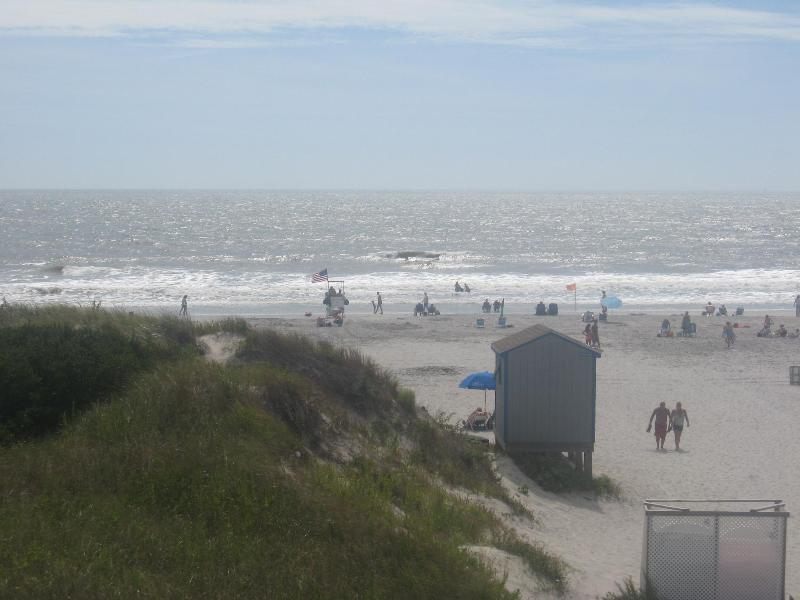 Brigantine's best guarded beach steps away! - Prime Direct Oceanfront, great off season weekend and mid week rates available! - Brigantine - rentals