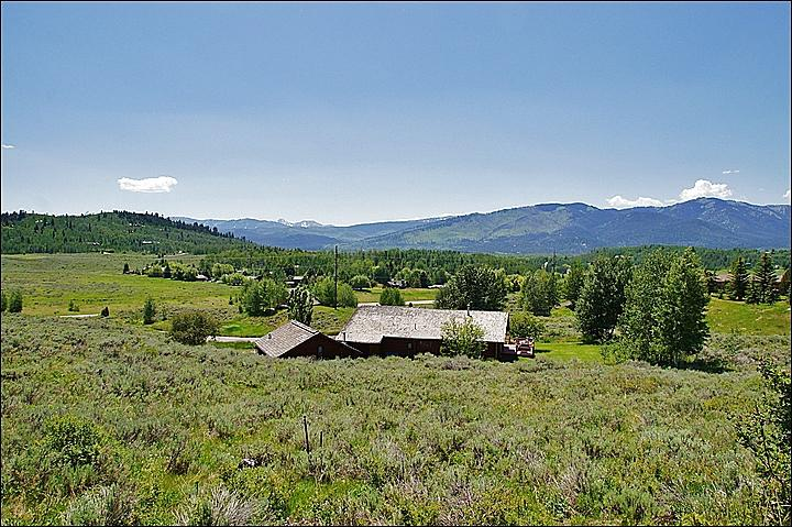 Secluded yet Conveniently Located Home just outside Jackson - Perfect for Summer or Winter Getaways - Mountain and Meadow Views (6944) - Jackson - rentals