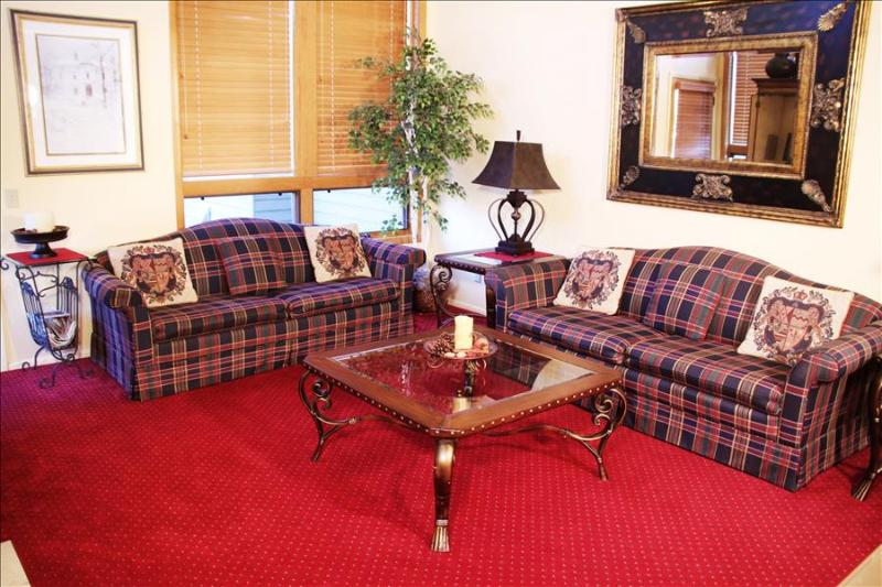 Red Pine T64: Comfortable Group Accommodations at the Foot of Canyons - Image 1 - Park City - rentals