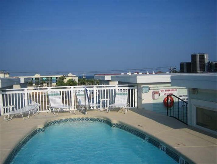 Shared roof top pool - Captains#10 2 b2b /pool, near pier south beach - Tybee Island - rentals
