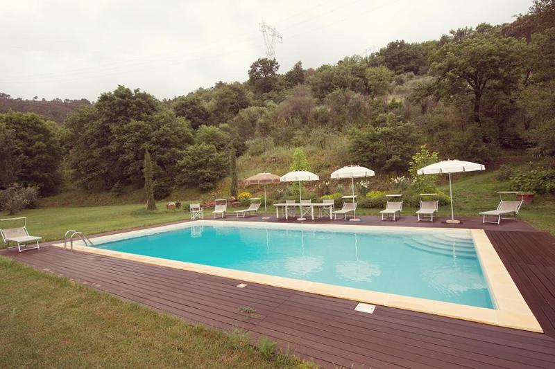 The Valley Farmhouse with swimmingpool near Pisa - Image 1 - Pisa - rentals