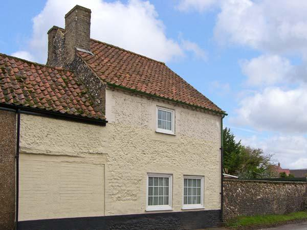 VIOLET COTTAGE, family friendly, country holiday cottage, with a garden in Feltwell, Ref 12708 - Image 1 - Thetford - rentals