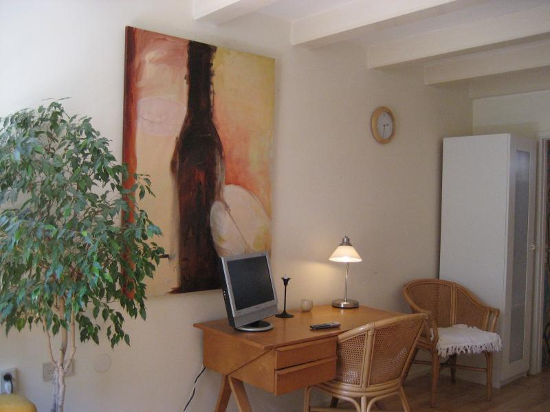 Old city apartment - Image 1 - Amsterdam - rentals