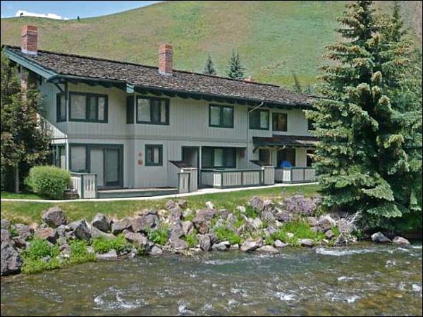 Creekside Location - Spacious Country Condo - Next to a Relaxing Creek (1032) - Ketchum - rentals