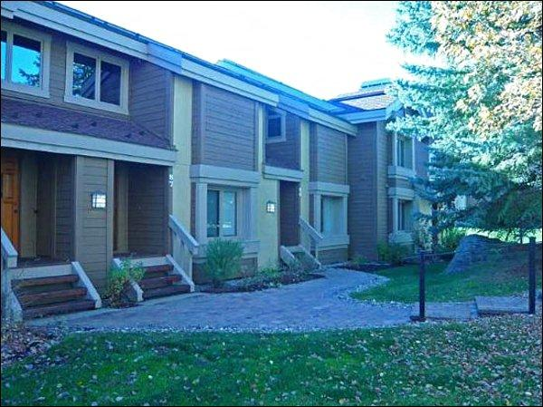 Convenient, Quiet Location - At Base of Elkhorn/Dollar Mountain - Close to Downtown Ketchum (1053) - Sun Valley - rentals