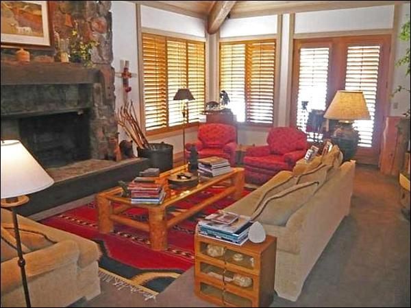 Living Room with Fireplace and Plush Seating - Cozy and Warm - Guesthouse Off of the Main Entrance (1106) - Sun Valley - rentals