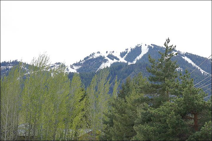Enjoy this Great View of Baldy from your Patio & Balcony. - Walk to Restaurants & Groceries - Library is Right Across the Street (1165) - Ketchum - rentals