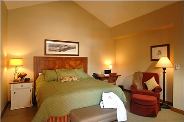 Master Bedroom Features a King Bed and En-Suite Bath - Representative Unit - Brand New Property - Wonderful Resort Amenities (1085) - Crested Butte - rentals