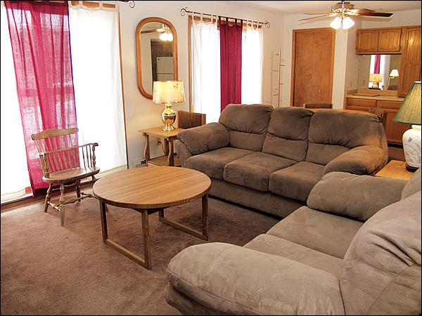 Lovely, Comfy Living Room with New Furniture & Window Treatments. - Nicely Decorated - Good Views (23754) - Winter Park - rentals