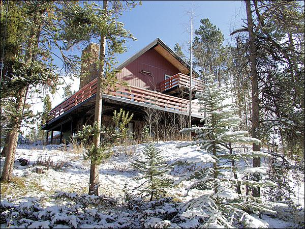 Exterior View of this Large, 3 Level Private Home. - 3 separate decks - 2 separate kitchens (3960) - Winter Park - rentals