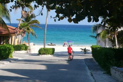 ocean view from the street - Mayan Bungalow 60 meters from the beach - Playa del Carmen - rentals