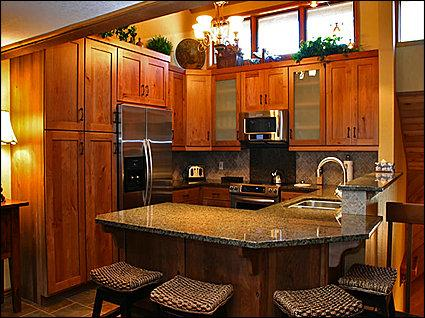 Fully Equipped Kitchen/Bar Seats 4 - Silver Lake Village - Beautiful New Remodel (24612) - Park City - rentals