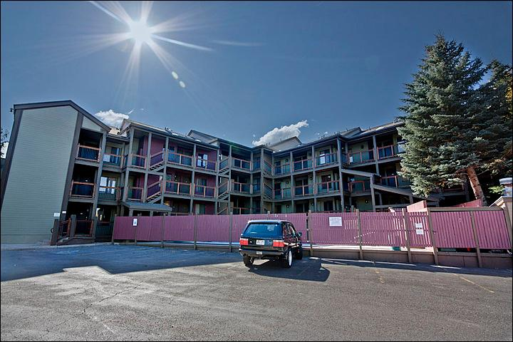 Snowcrest Condominiums - Great Slope and Golf Course Views - Cute and Cozy Condo (24709) - Park City - rentals