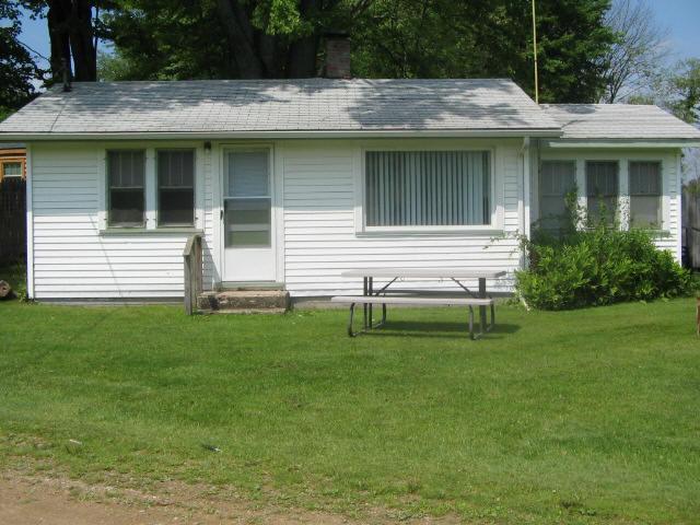 Large Cottage - Weekly Vacation Cottage Rental on the lake - Jones - rentals