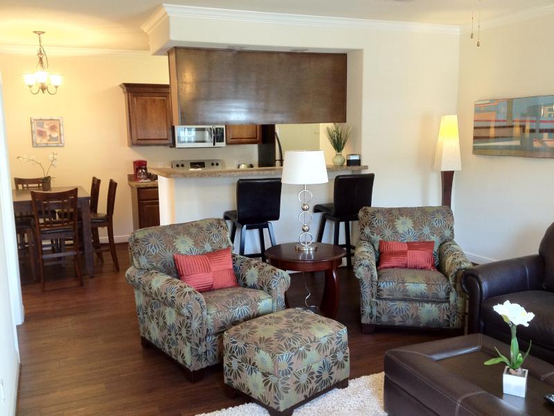 Open Living Dining Kitchen - The Leaves of Winnsboro Overnight Suites - Winnsboro - rentals