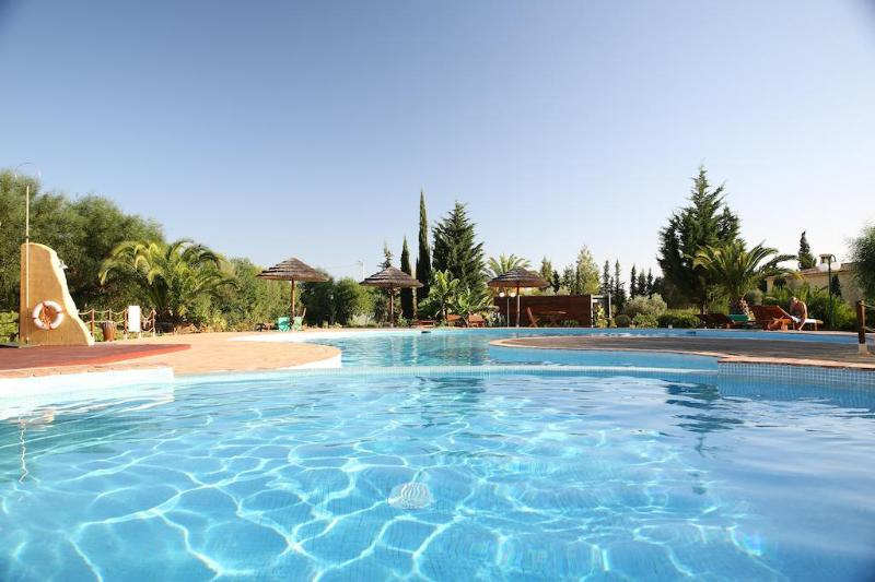 Beautiful private pool shared by only 25 units - Algarve at its finest: 2 bedroom condo (free wifi) - Algarve - rentals