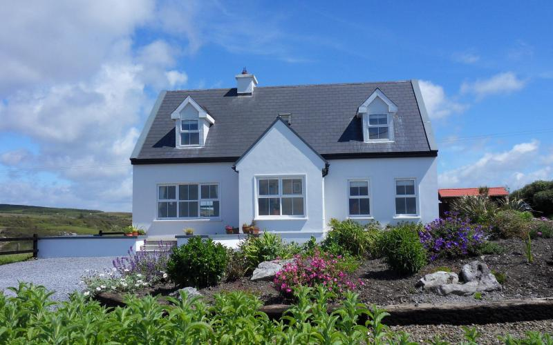 Outside of cottage - The Wildberry Cottage panoramic views of ocean - Doolin - rentals