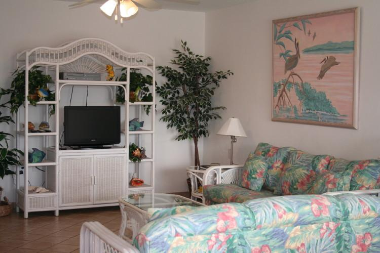 Living room - Key Pad, affordable 3/2!  # 88 - Key Colony Beach - rentals