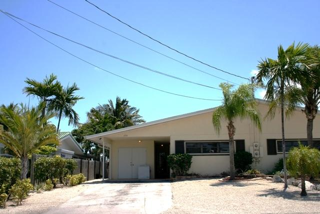 Front of house - Keys Salt Life, easy access to Vaca Cut, # 56 - Key Colony Beach - rentals