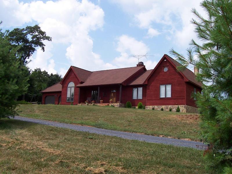 Reddish Ridge, private Villa on 45 Acres - Image 1 - Staunton - rentals