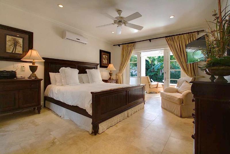Coral Breeze V#6 at Mullins Bay, Barbados - Gated Community, Walk To Beach, Pool - Image 1 - Mullins Beach - rentals