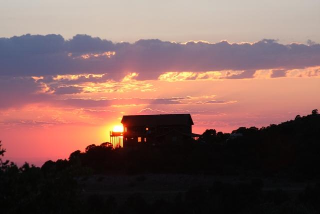 Sunset at Cedar Bend - Amazing Views, Family Reunion Site, Mountain Cabin - Moab - rentals