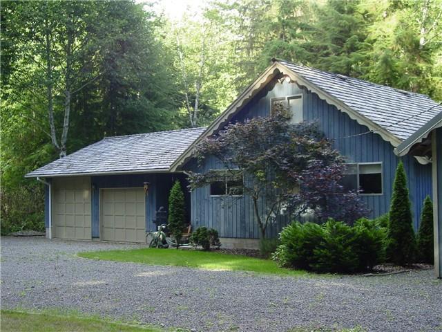 A Cozy River House I - Forks, WA - A COZY RIVER HOUSE I ~ Cozy Riverfront Escape! - Forks - rentals
