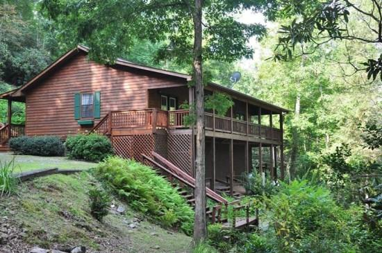 Greens Creek Fishing Retreat -- Minutes from Dillsboro and Sylva with Restaurants, Hiking and More - Greens Creek Fishing Retreat - 10 Minutes from Rafting on the Tuckaseegee River, This Log Cabin Features Fly Fishing Right Out the Back Door - Dillsboro - rentals