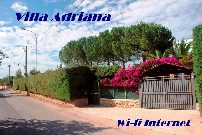 Villa Adriana 300 meters far from the sea -Wi-fi Internet - Image 1 - Noto - rentals