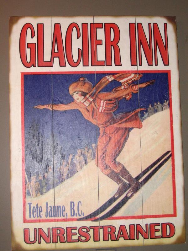 Glacier Inn - Unrestrained - Glacier Inn - Valemount - rentals
