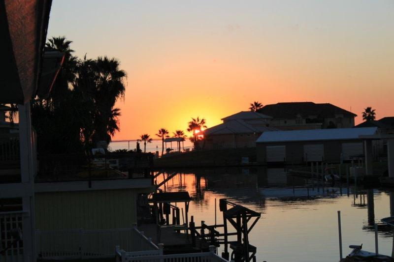 sunset from back porch - Royal Estes-5 bedroom house in City by the Sea - Rockport - rentals