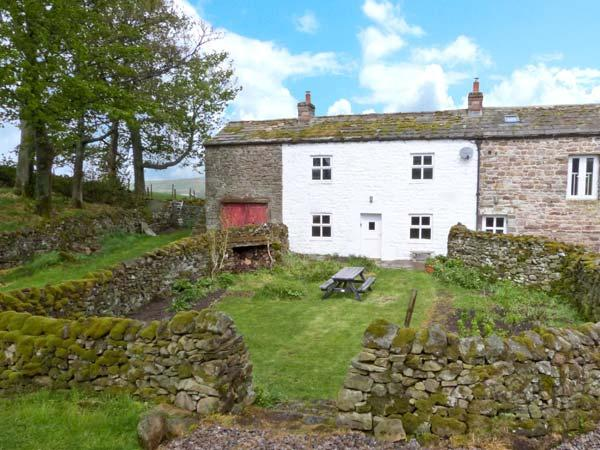 LEONARD'S CRAGG, stone built, semi-detached farmhouse, with double bedroom and large gardens, in North Stainmore, Ref 10057 - Image 1 - Kirkby Stephen - rentals