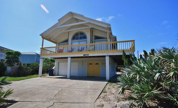 Beautiful Home just steps from the beach - Dolphin Beach House - New Smyrna Beach - rentals