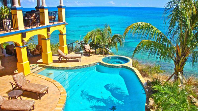 One of the lovliest oceanside views in the Caribbean - WOW!  Oceanfront luxury with fabulous pool & spa ! - Grapetree Bay - rentals