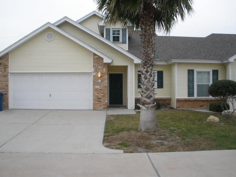 3 bed 2.5 bath, community pool, close to the beach - Image 1 - Port Aransas - rentals