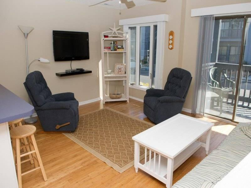 Pebble Beach E103 - Image 1 - Emerald Isle - rentals