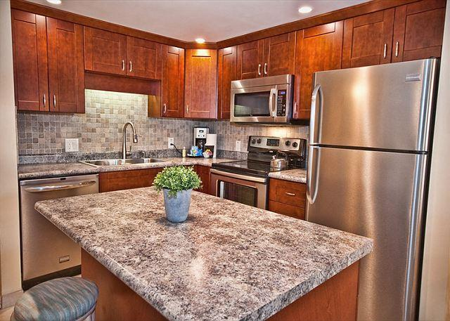 Gorgeous 1 Bedroom Condo with Expanded Lanai - Image 1 - Kihei - rentals