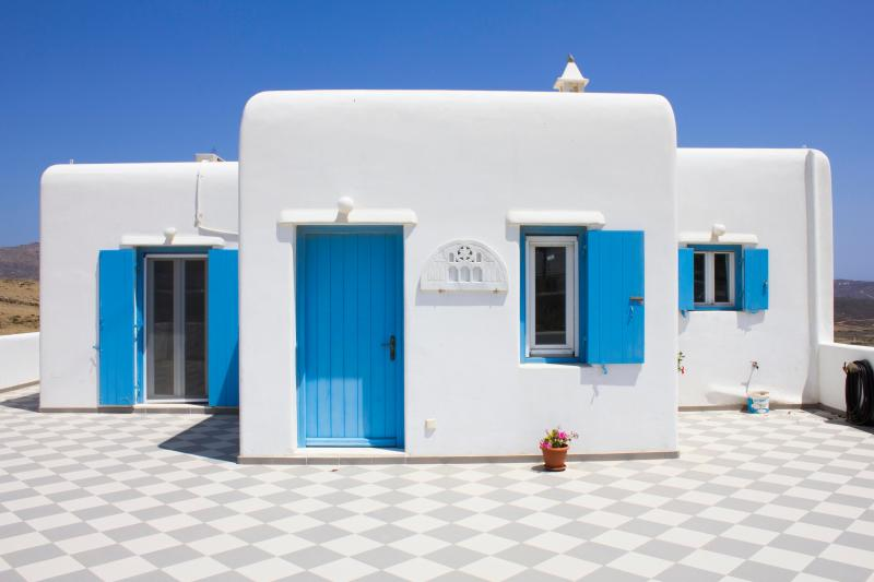 Veranda of Villa Oniron - Blue Cactus Villas: New, Modern, Fully-Equipped - Mykonos Town - rentals
