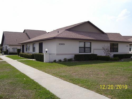 Outside View of Golf Villa - Golf Resort Getaway - Sebring - rentals