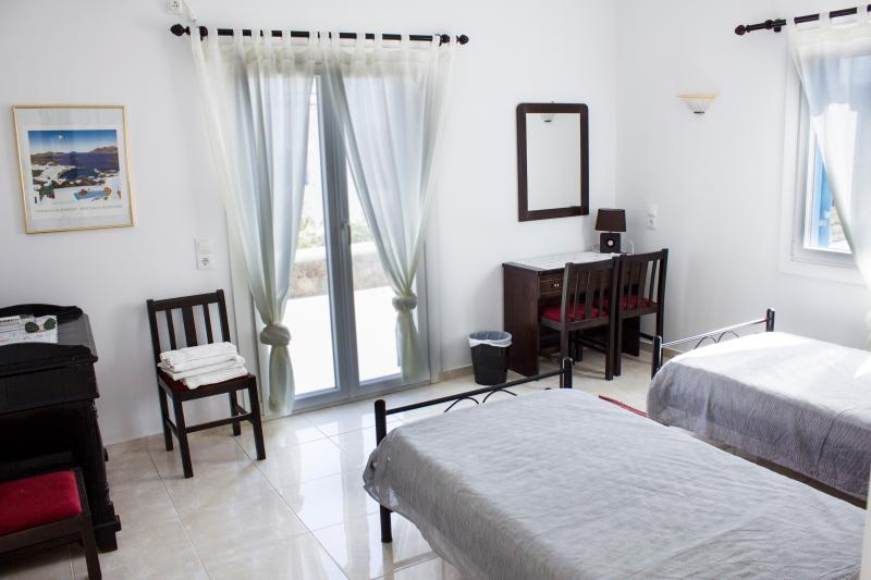 Sinefon Bedroom - New, Modern Fully-Equipped Villa Apartment - Mykonos Town - rentals