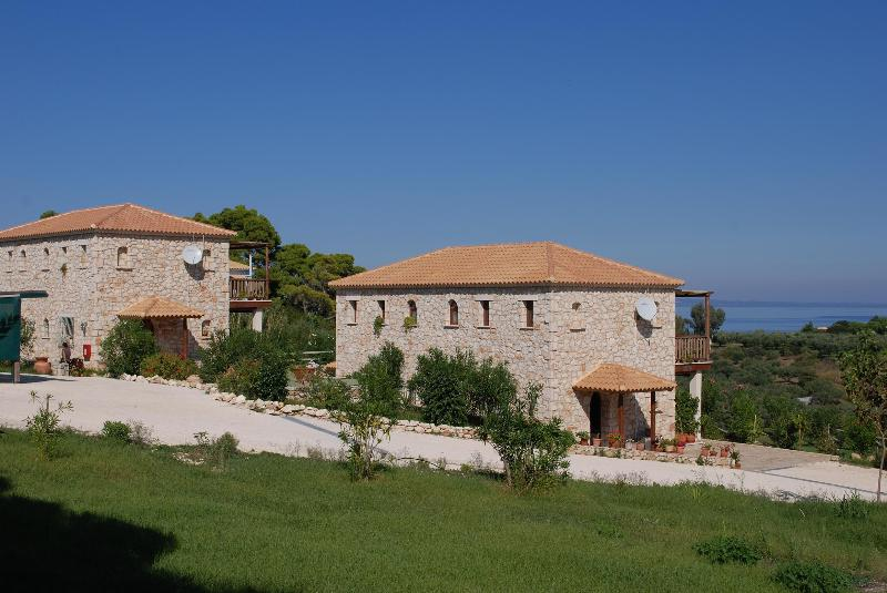 The maisonetes - MYRTIES the stone houses - Zakynthos - rentals