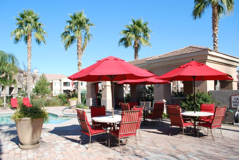 Relax Poolside - WONDERFUL MESA Condo - Gated Complex 2BR 2BA - Mesa - rentals