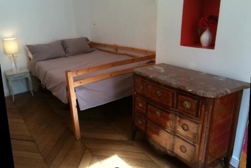 bedroom - 3 bedrooms family flat near Champs Elysées - Paris - rentals