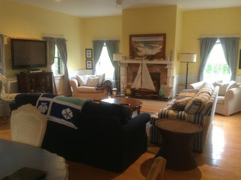 Living Room - MidIsland Home, Convenient Location, 4 BR - 4.5 BA - Nantucket - rentals