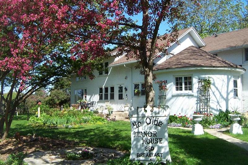 Ye Olde Manor House - Ye Olde Manor House Bed and Breakfast - Elkhorn - rentals