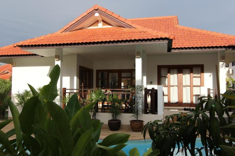 Main view - Lovely pool villa on Long Beach, Koh Lanta - Ko Lanta - rentals